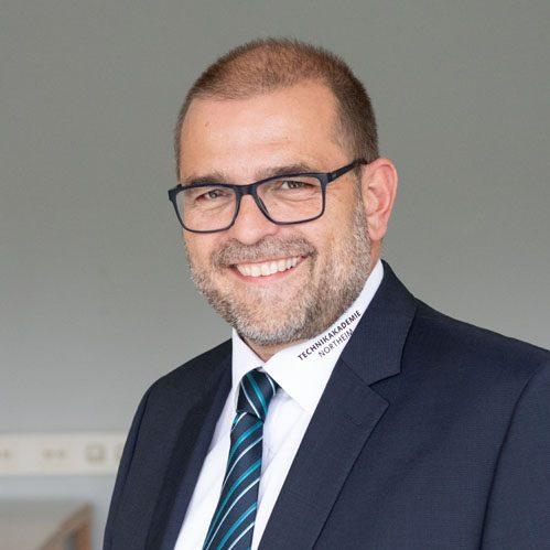 Dr. Peter Hustedt